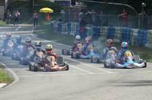 Start der KZ2-Klasse mit Polesetter Patrick Kreutz (#32) und Champion Michele Di Martino (#1) in der ersten Startreihe